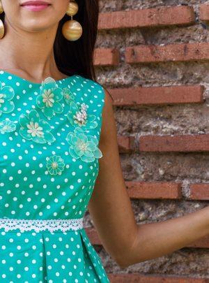 рокля зелена точки