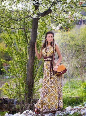 рокля дълга,копрна ,с кафяво коланче
